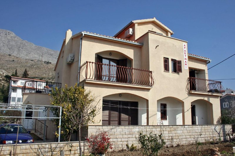 Studio flat Duće, Omiš (AS-4852-a), holiday rental in Dugi Rat