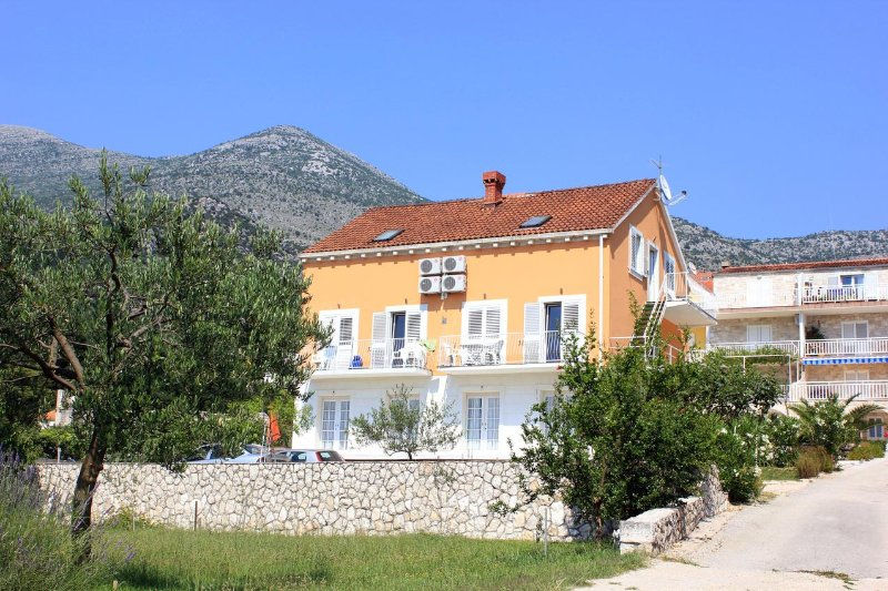 Two bedroom apartment Slano, Dubrovnik (A-3184-b), holiday rental in Slano