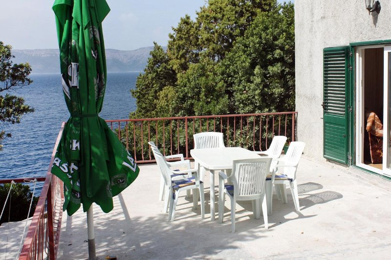 Tatinjica Apartment Sleeps 5 with Air Con - 5463618, holiday rental in Polace