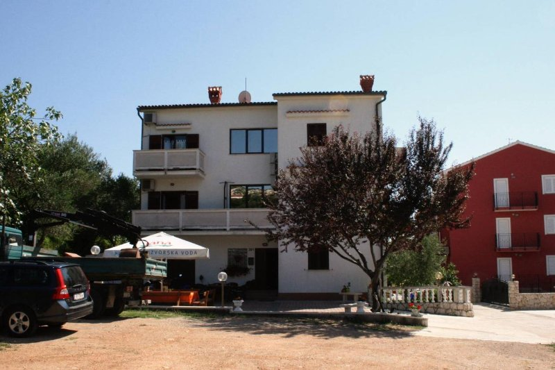 Two bedroom apartment Palit, Rab (A-5044-b), vacation rental in Palit