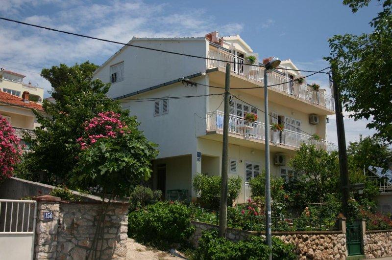 One bedroom apartment Tisno, Murter (A-5141-b), holiday rental in Tijesno