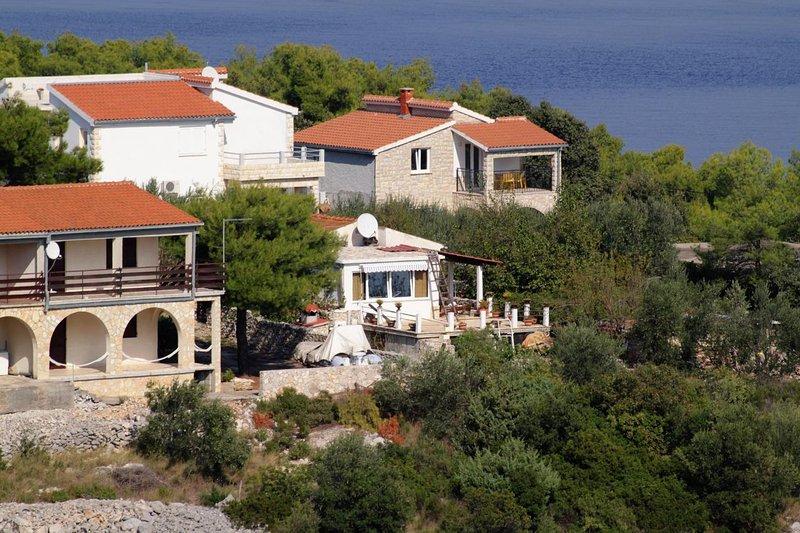 Two bedroom apartment Rogač, Šolta (A-5165-a), location de vacances à Rogac