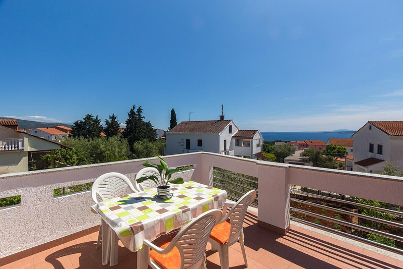 Krk Apartment Sleeps 4 with Air Con - 5464166, casa vacanza a Vrbnik