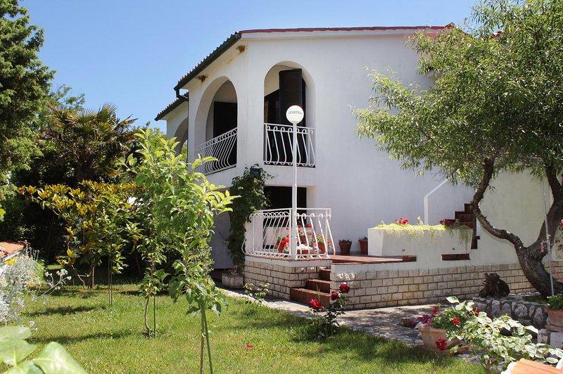 Two bedroom apartment Baška, Krk (A-5430-a), casa vacanza a Stara Baska