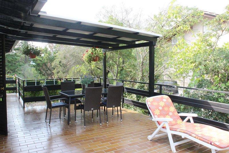 Mali Losinj Apartment Sleeps 4 with Air Con - 5464278, holiday rental in Cunski