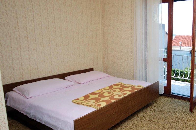 Schlafzimmer 1, Oberfläche: 16 m²