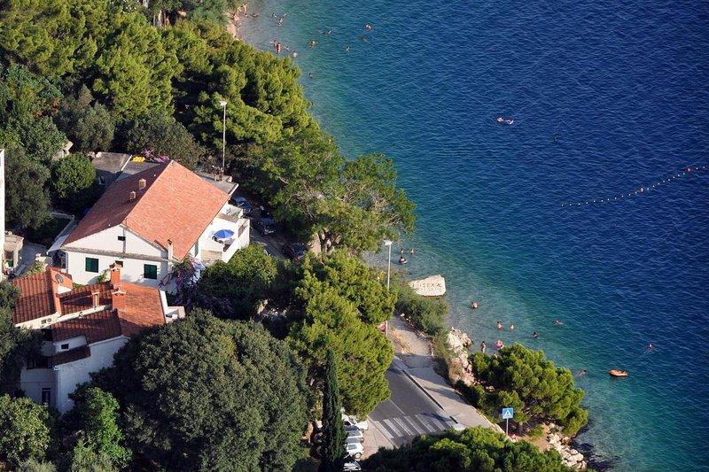 Two bedroom apartment Omiš (A-6003-c), casa vacanza a Borak