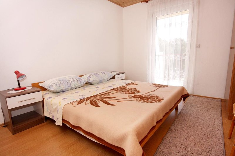 Bedroom 1, Surface: 11 m²