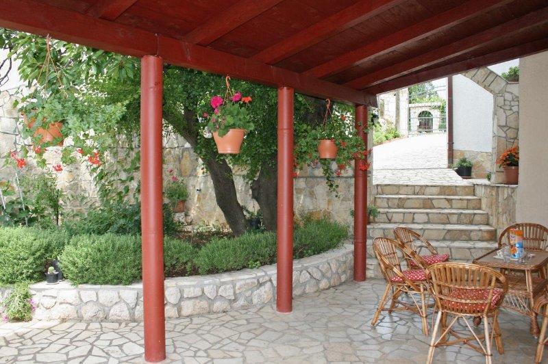 Novi Vinodolski Apartment Sleeps 2 with Air Con - 5464468, casa vacanza a Povile