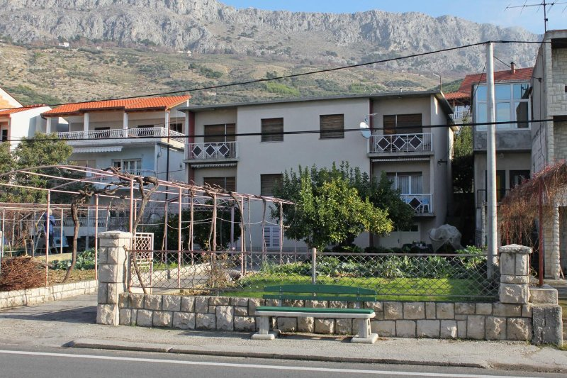 Two bedroom apartment Sumpetar, Omiš (A-5983-a), holiday rental in Krilo Jesenice
