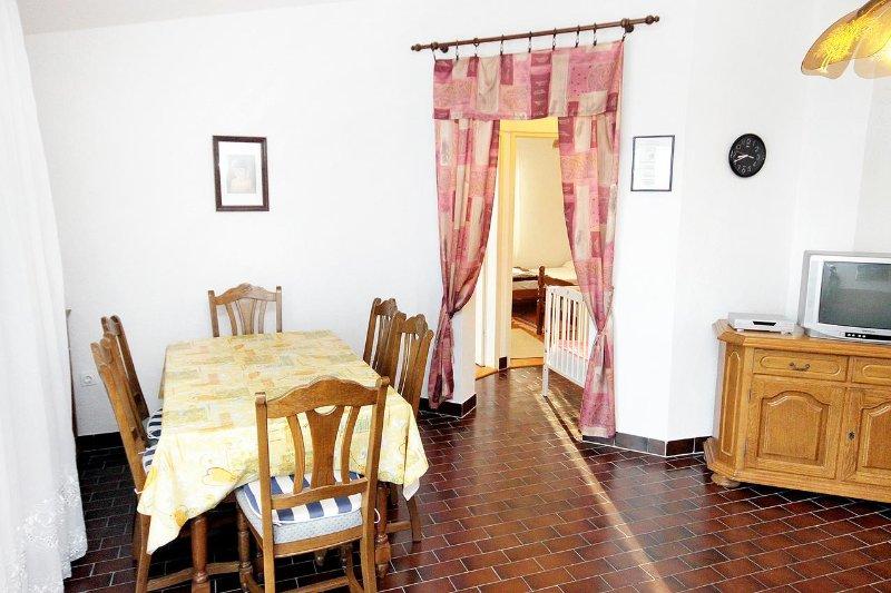 comedor, Superficie: 9 m²