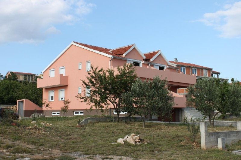Two bedroom apartment Maslenica, Novigrad (A-6573-b), vacation rental in Jasenice