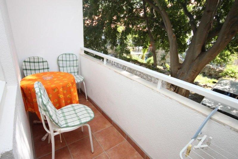 Donja Vala Apartment Sleeps 2 with Air Con - 5466378, casa vacanza a Drvenik