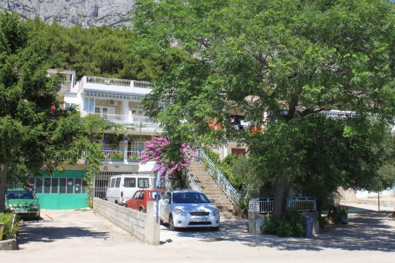 One bedroom apartment Tučepi, Makarska (A-6857-a), aluguéis de temporada em Tucepi