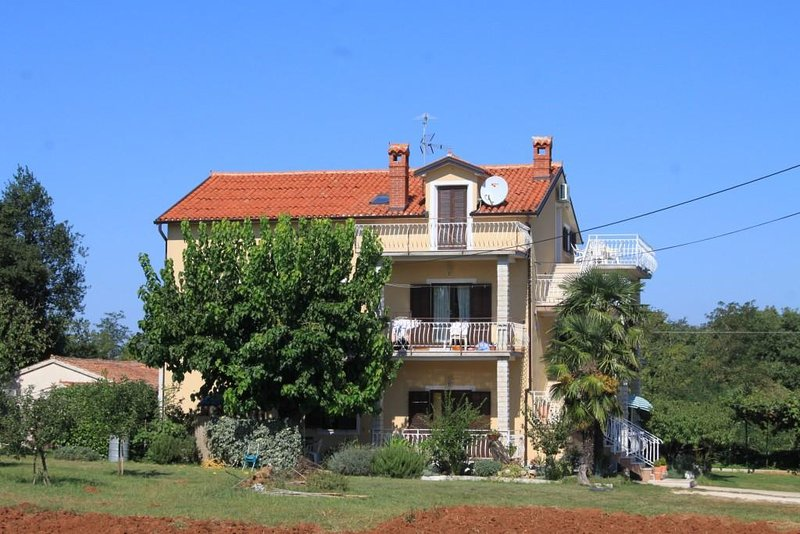 Two bedroom apartment Bašanija, Umag (A-7149-b), holiday rental in Basanija