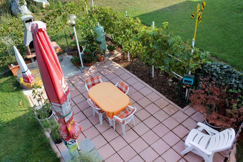 Umag Apartment Sleeps 4 with Air Con - 5466927, holiday rental in Murine