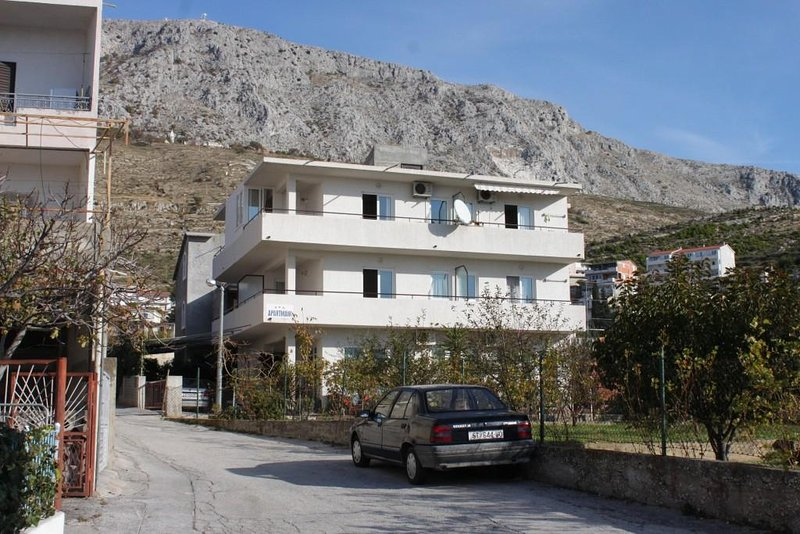 Studio flat Dugi Rat, Omiš (AS-7481-a), holiday rental in Dugi Rat