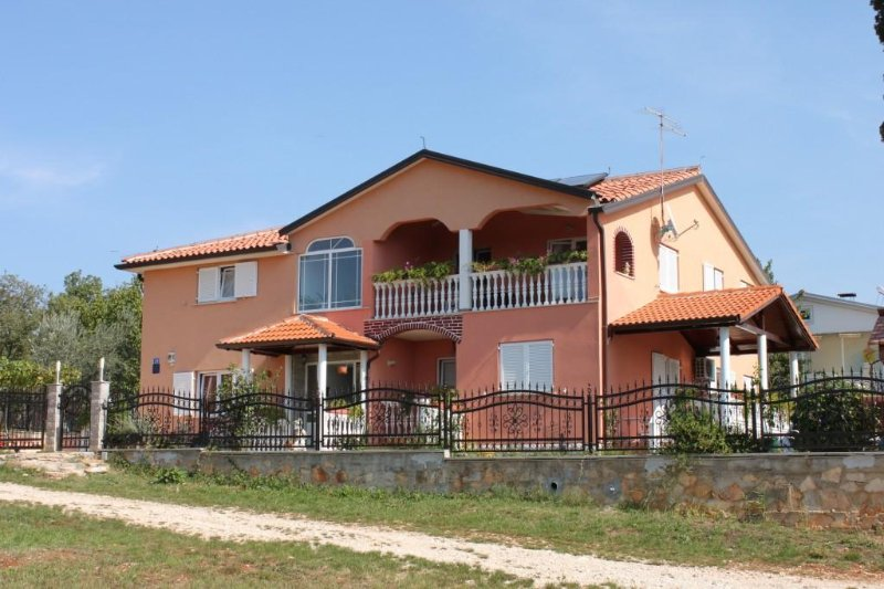 Two bedroom apartment Valica, Umag (A-7122-b), holiday rental in Kanegra