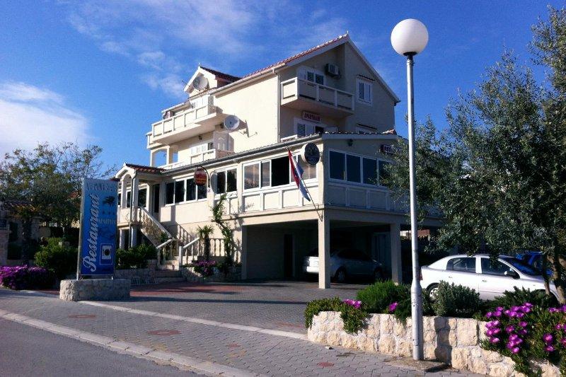 One bedroom apartment Vrsi - Mulo, Zadar (A-3276-b), location de vacances à Vrsi