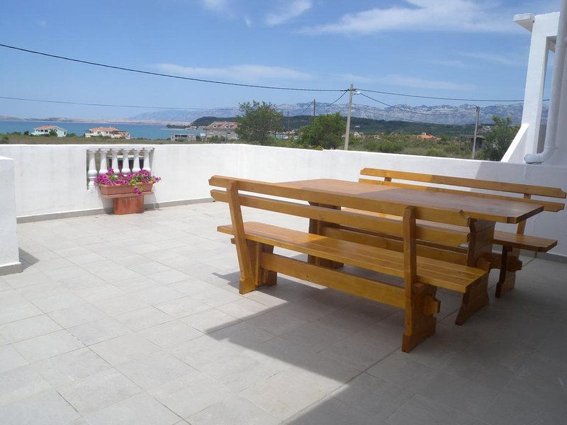 Krnesa Apartment Sleeps 8 with Air Con - 5465409, holiday rental in Ljubac