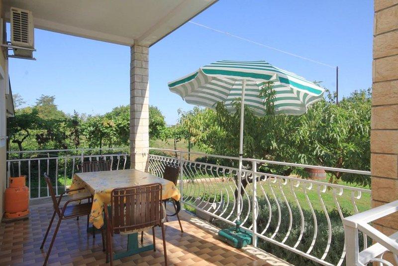 Basanija Apartment Sleeps 5 with Air Con - 5466986, location de vacances à Basanija