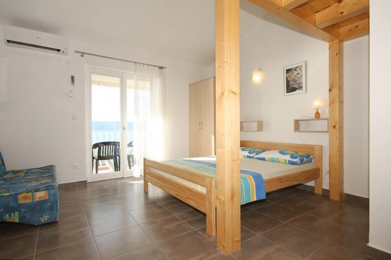 Duce Apartment with Air Con - 5467356, holiday rental in Duce