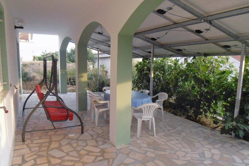 Krmcina Apartment Sleeps 6 with Air Con - 5461873, holiday rental in Sveti Petar na Moru