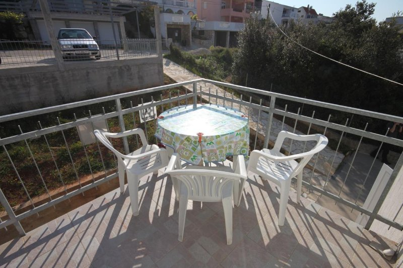 Krmcina Apartment Sleeps 7 with Air Con - 5461879, holiday rental in Sveti Petar na Moru