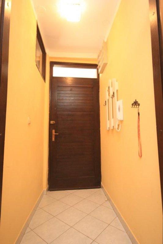 Hallway 1, Surface: 2 m²