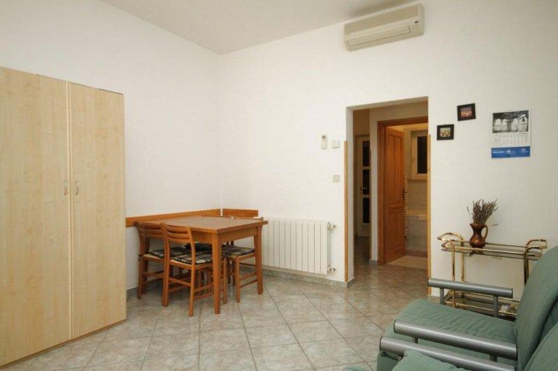Eetkamer, Oppervlakte: 6 m²