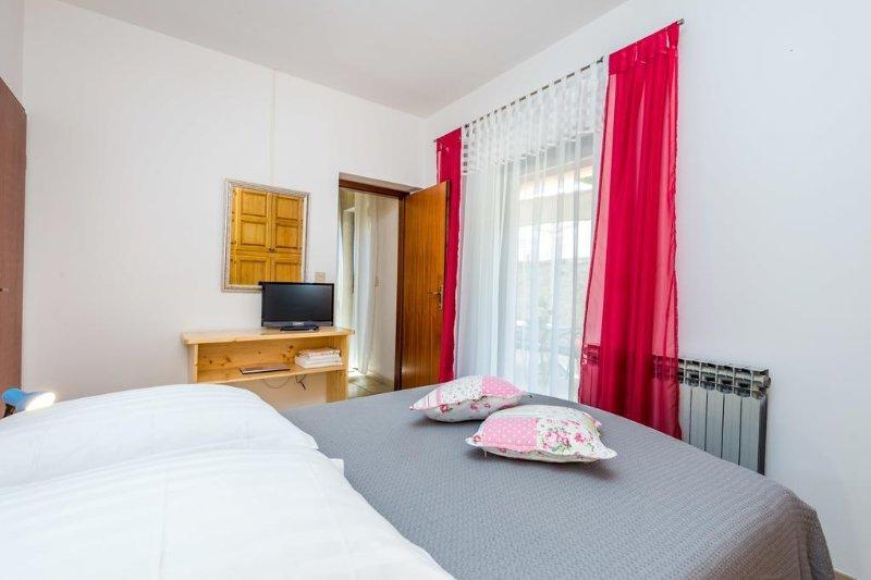 Schlafzimmer 1, Oberfläche: 11 m²