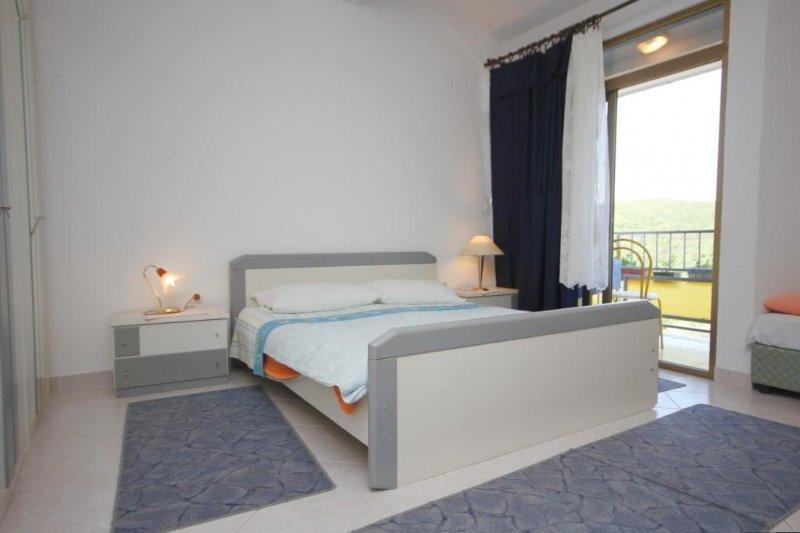 Schlafzimmer, Oberfläche: 14 m²