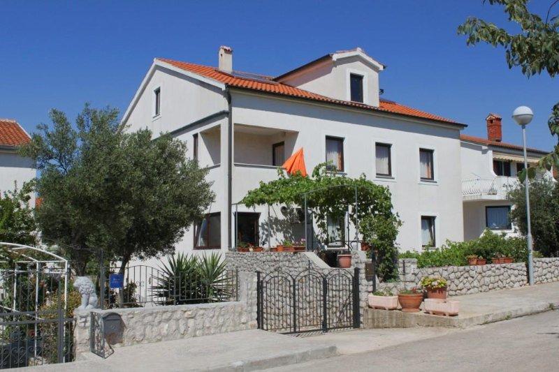Two bedroom apartment Mali Lošinj, Lošinj (A-8090-a), vacation rental in Veli Lošinj