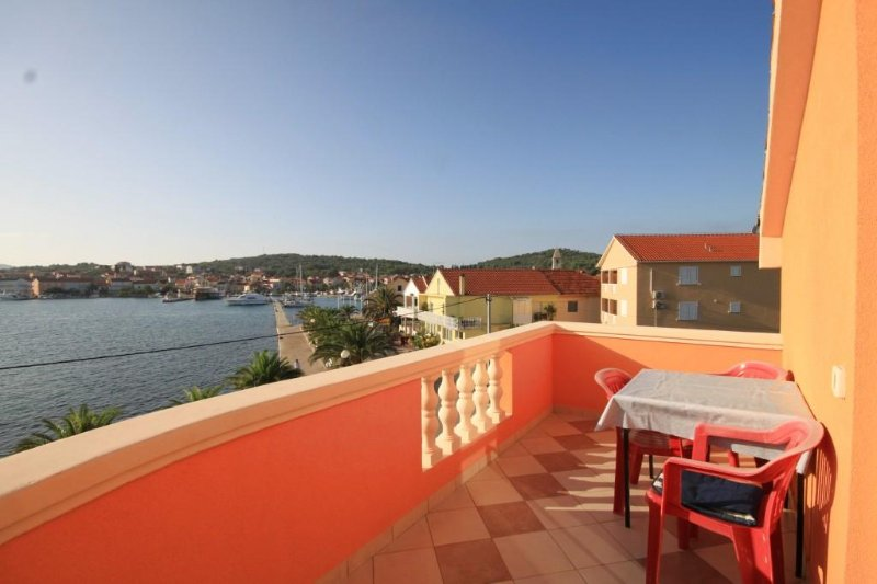 Kukljica Apartment Sleeps 4 with Air Con - 5468463, vacation rental in Kukljica