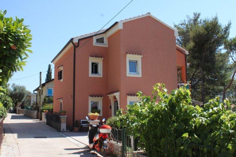 One bedroom apartment Cres (A-8095-b), casa vacanza a Cres