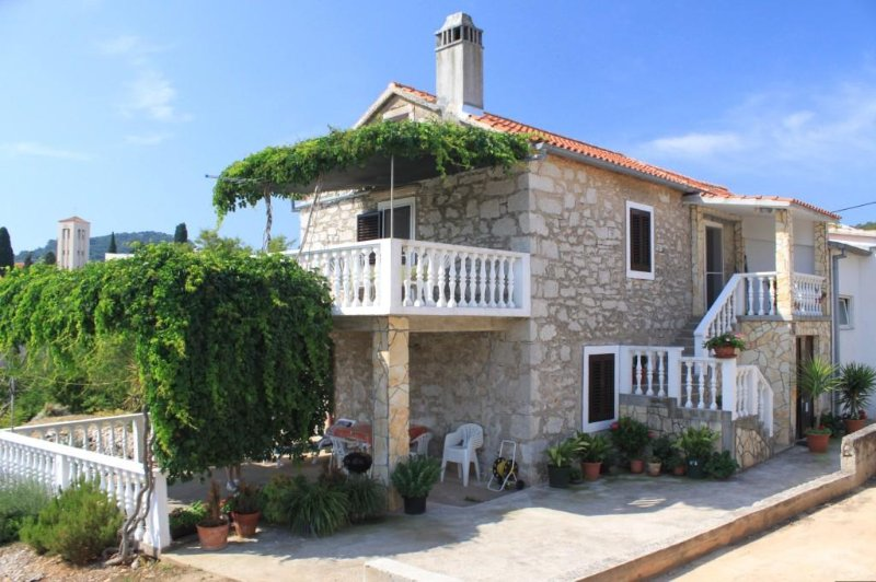 Two bedroom apartment Sali, Dugi otok (A-8084-b), holiday rental in Sali
