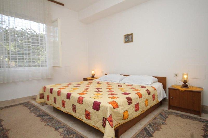 Two bedroom apartment Kukljica, Ugljan (A-8277-b), aluguéis de temporada em Kukljica