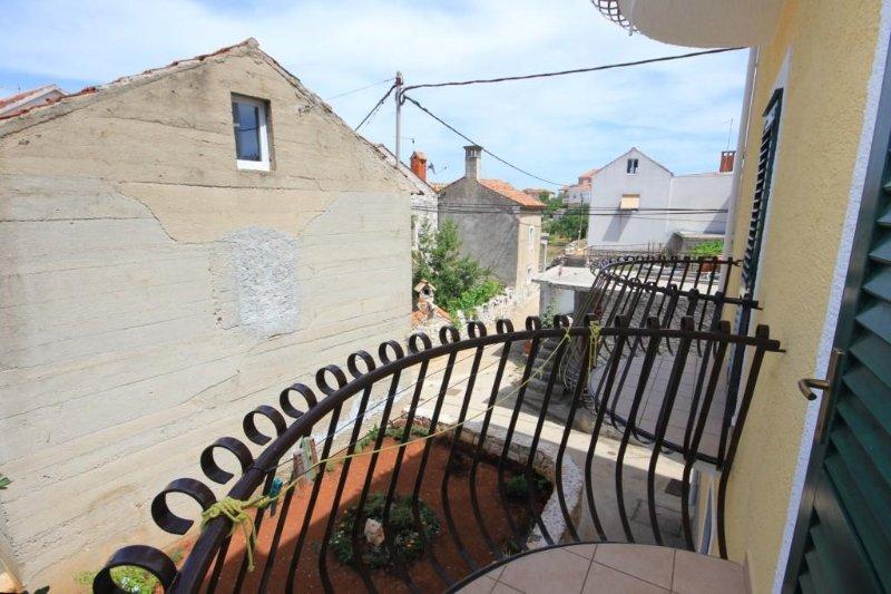 Balcony 2, Surface: 2 m²