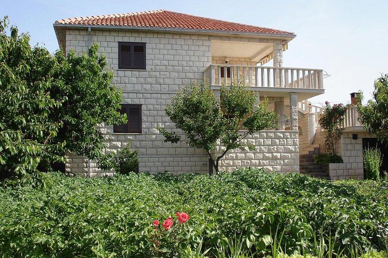 One bedroom apartment Povlja, Brač (A-8628-a), vacation rental in Povlja