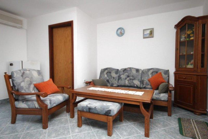 Wohnzimmer, Fläche: 14 m²