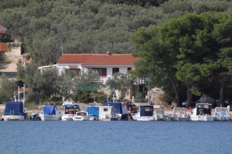 Two bedroom apartment Cove Mala Lamjana, Ugljan (A-8449-a), location de vacances à Kali