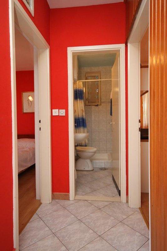 Hal, oppervlakte: 3 m²