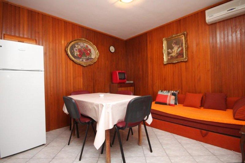 Eetkamer, Oppervlakte: 10 m²