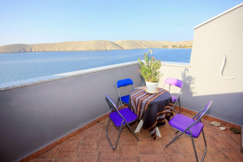Sveti Mihajlo Apartment Sleeps 6 with Air Con - 5469516, casa vacanza a Vlasici