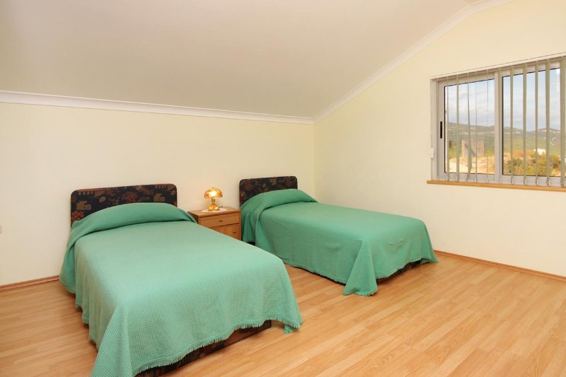 Chambre 2, Surface: 18 m²