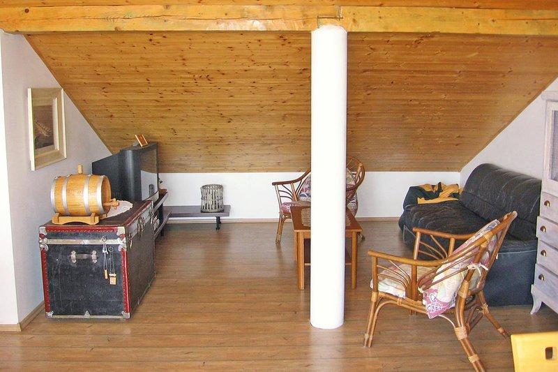 Wohnzimmer 1, Oberfläche: 13 m²