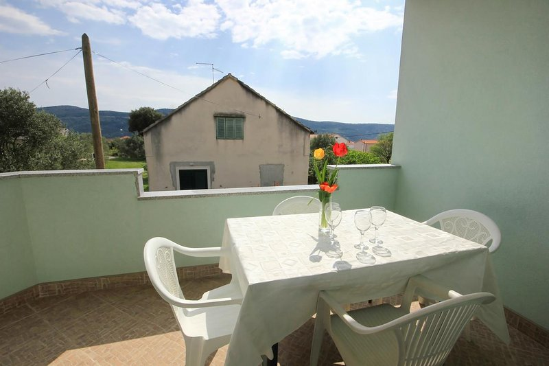 Poljica Kozicka Apartment Sleeps 5 with Air Con - 5469707, alquiler de vacaciones en Poljica