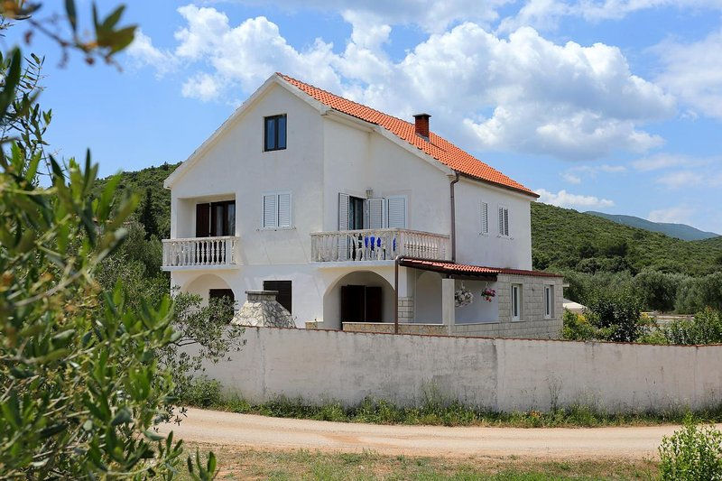 Two bedroom apartment Drače, Pelješac (A-10126-a), alquiler de vacaciones en Drace