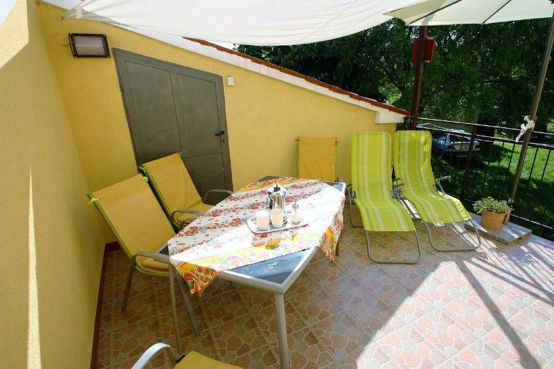 Sinozici Holiday Home Sleeps 4 with Air Con - 5470726, aluguéis de temporada em Fabci