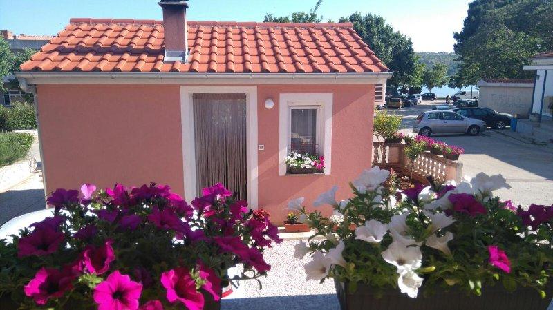 Studio flat Posedarje, Novigrad (AS-11689-a), vacation rental in Posedarje